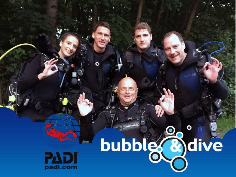 Proficiat Manon, Henry, Loïc en Peter met het behalen van jullie Open water Diver brevet!